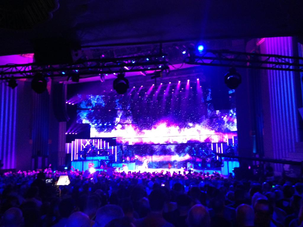 Near the bar so APOLOGES for crap shot: Not much applause for Dima Bilan from Russia. #esc60 http://t.co/GT1bDs2TeB
