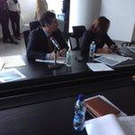 """""""Se construirá mil soluciones habitacionales en #BocasdelToro"""". Viceministro Jorge González  http://t.co/RoHLJ4PMPR http://t.co/VuT1651638"""