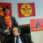VIDEO: Far-left group threatening to kill Turkish prosecutor unless demands are met. http://t.co/M6HML6i4vf http://t.co/kXVS4YbLS8