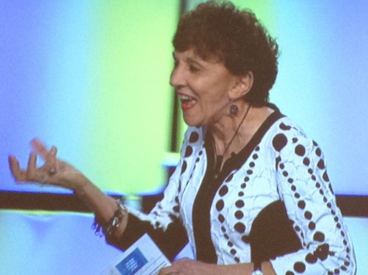 Love you @BeverlyLKaye! Going vulnerable at #Lead2015 in front of thousands admitting she stutters. http://t.co/VNxzGwXZYw