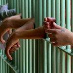Proposta que prevê redução da maioridade penal avança na Câmara pela 1ª vez http://t.co/tlK2dueWih http://t.co/emHTXl6iUp