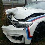Mecânico bate M4 em árvore na Holanda; veja fotos http://t.co/cFQPKW6WAu http://t.co/c4fEKG4OeU