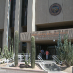 Gov. Ducey vetoes controversial bill concealing names of officers involved in shootings http://t.co/paskFu5qFt http://t.co/Vr3z2my32K