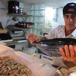 """RT """"@JornalOGlobo: Dicas para comprar peixes e frutos do mar na Semana Santa. http://t.co/UKsPSuCdgE http://t.co/Tv0a5tdMsB"""""""