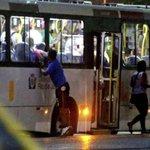 RJ: assaltos pela janela do ônibus se tornam cada vez mais comuns. http://t.co/AzQPSDqE59 http://t.co/kRcVuyNDeA