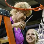 Congrats to Lisa Bluder, whos been named 2015 U.S. Pan American coach. http://t.co/v1mRDJyPQL  #Hawkeyes http://t.co/n1BcBR2XRC