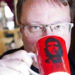 Lars Beckman (m) är i själva verket vänstersympatisör - och ett konstprojekt.@beckmansasikter http://t.co/GUtJTLVRXu http://t.co/mC9eW7W7q4