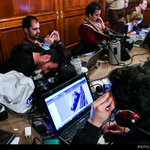 خبرنگاران در واپسین ساعات مذاکرات ایران و ۱+۵ در لوزان سوئیس http://t.co/U5hsDZWSRM