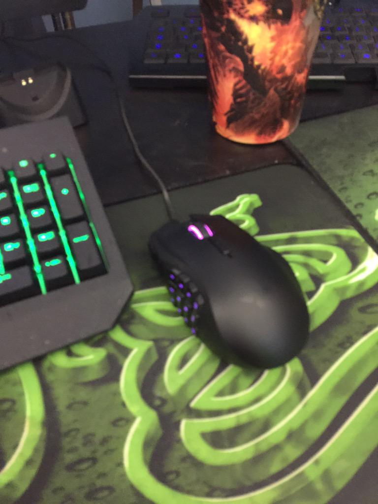 Swifty (@SwiftyiRL): giving away Razera Naga Epic Croma 10pm EST http://t.co/MLkGbNrdoJ http://t.co/0U4JPlet4E