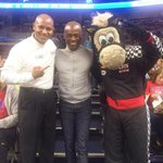 With @TheDancingUsher and @PistonsHooper at the game tonight. #Pistons #Hawks http://t.co/Vnb51VPJ48