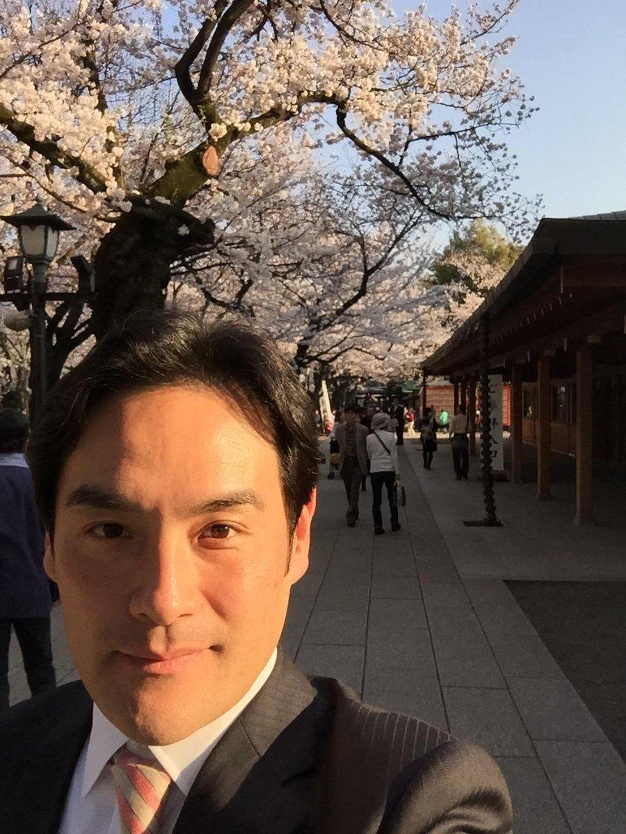 先日、桜咲く靖国神社へ参拝いたしました。 http://t.co/byg2Jbsf4H