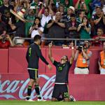Con gol de @LaloHerrera15, México derrota 1-0 a Paraguay http://t.co/bUUHe9WTLN http://t.co/x8djtfPanM