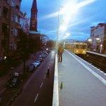 Frische Luft und durchgepustete Straßen in #Berlin. Guten Morgen! http://t.co/0uywzjtboh