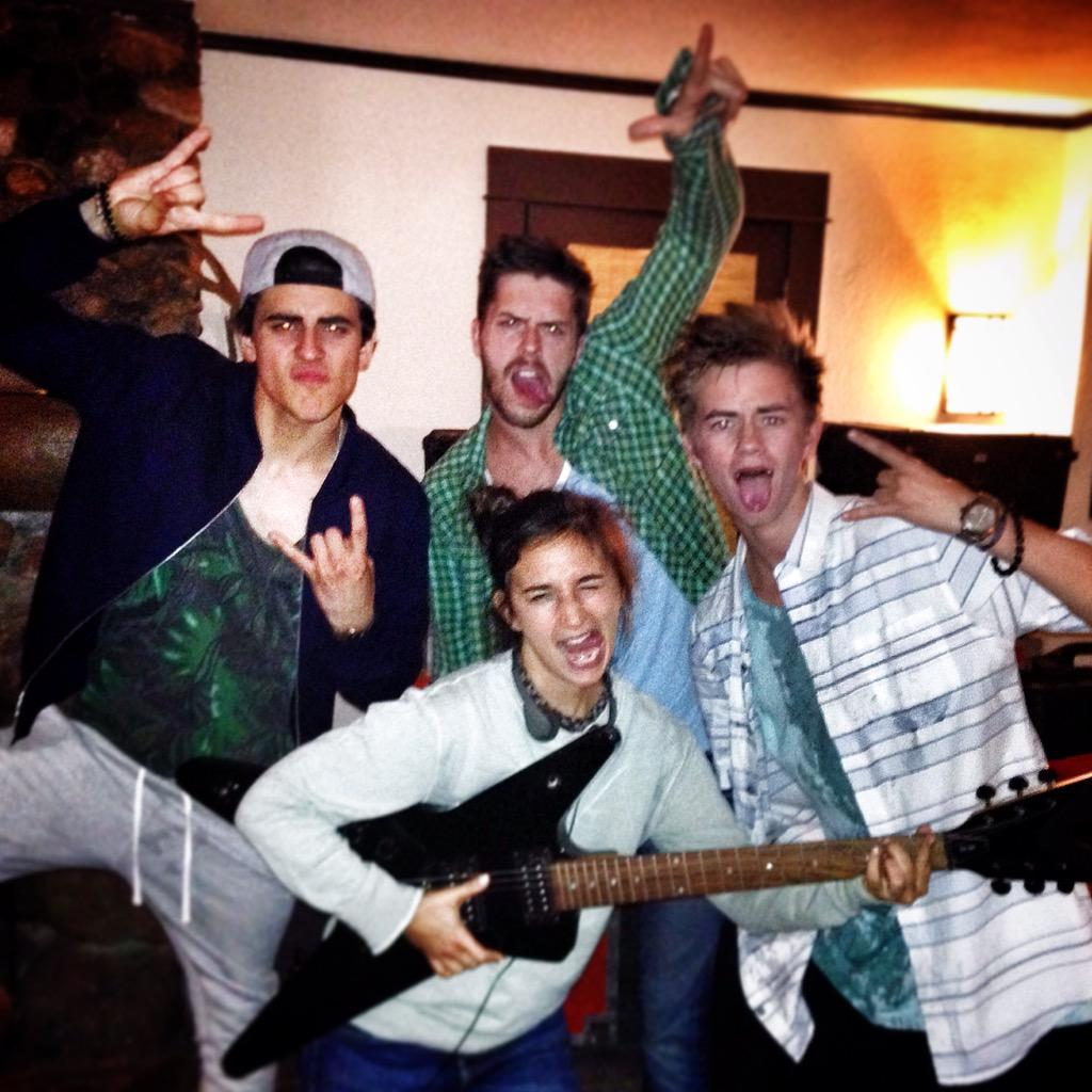 DAY 1 - that's a wrap! #ResurrectionConfusion  @jackgilinsky @sasgoldie @jakewil @jackjackjohnson http://t.co/dAm2Hj6wFm