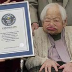 World's oldest person Misao Okawa dies nearly a month after celebrating her 117th birthday http://t.co/4YdPECTeUW http://t.co/uIfZq71ISA
