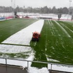 FCBayern: ❄ Wintereinbruch an der Säbener ❄ kein #Aprilscherz - Schneeräumen für das heutige Training. #MiaSanMia http://t.co/qfN9JoDk8e …