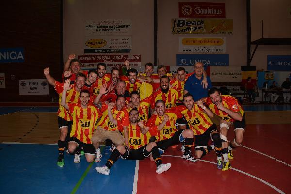 La selecció catalana de #futsal, expulsada del Mundial de Bielorússia, segons 'L'Esportiu' http://t.co/pYI4wptiSo http://t.co/LyMYDyUzS7