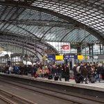 RT @JensHilgenberg: #Niklas sorgt auch heute noch für volle Bahnsteige am Hauptbahnhof. #Berlin http://t.co/8HUmqhIGAg
