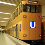 """@almaniahcom: #برلين تطلق اليوم أول قطار أنفاق طابقي في العالم #ألمانيا  #Germany http://t.co/NmkOXBiu1B"" مشيها كدبة ابريل عشان منتشلش"