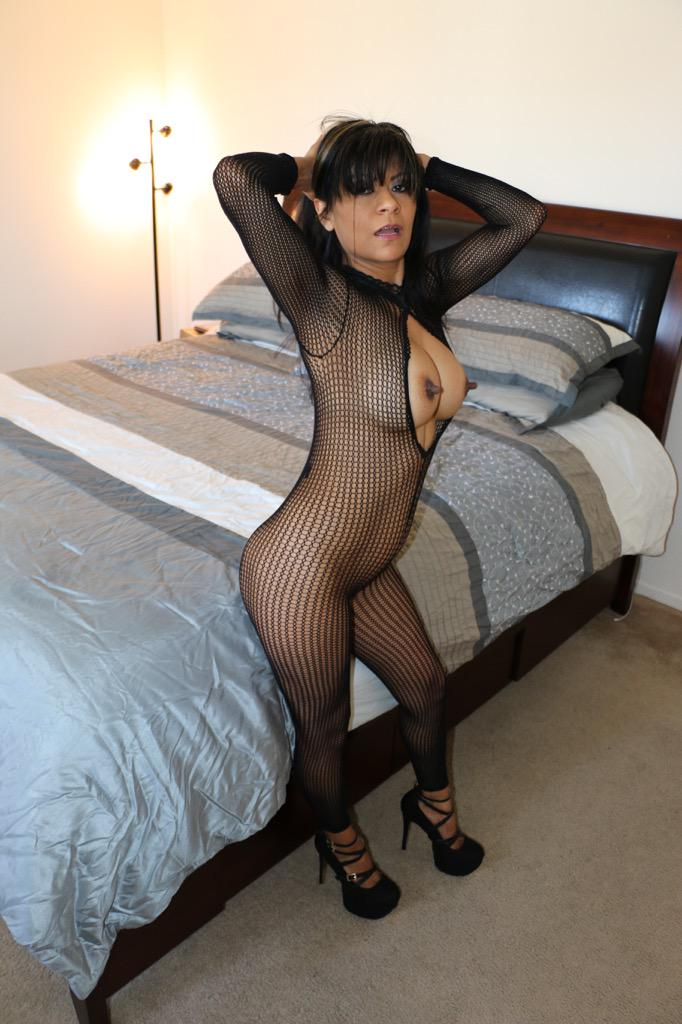 This just in: Insatiable #Cougar in California in search for an orgasm and a facial from horny guy this