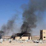 Explosion in Yemens Hodaida port kills at least 25: http://t.co/KdzztV2wl9 http://t.co/8BBlWgx6Cc