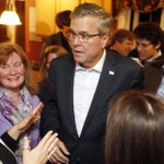 Jeb Bush defends Indiana law as he seeks Bay Area funds, @cmarinucci reports http://t.co/1sbDpI4hdw http://t.co/Da9nv0u2Qu