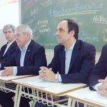 #RevoluciónEducativa: @barlettamario presenta las propuestas de educación para Santa Fe con #FirmezaParaAvanzar. http://t.co/Z8A4kbW5PG