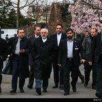 پیادهروی ظریف و تیم هستهای ایران در لوزان، ساعتی پیش http://t.co/BN59RfXf8v