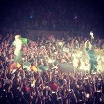 Harry i Louis na scenie http://t.co/vSqeqD8XAa