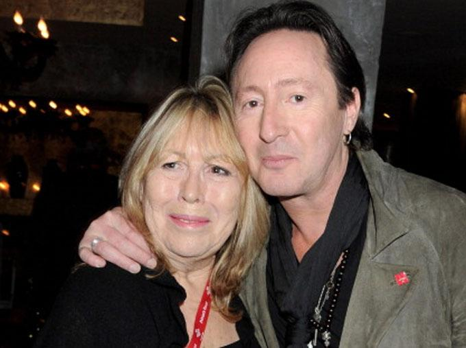 Acaba de fallecer #CynthiaLennon, madre de @JulianLennon y ex de @johnlennon, en Mallorca, a los 75 años, de cáncer. http://t.co/AafHVoAPM0