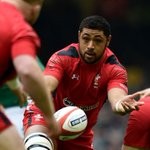 Faletau confirms he HAS been offered a dual contract and WILL be at @dragonsrugby next season http://t.co/clHDZD23Bh http://t.co/GH6qlpYyWj