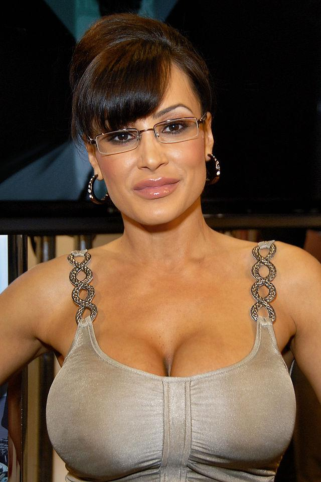 Porn star lisa ann hangs out with another college athlete