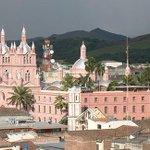 La Basílica de Guadalajara de Buga, destino recomendado para la #SemanaSanta http://t.co/mfU4u8ObrW #MañanasBLU10AM http://t.co/fB7y9AOdey