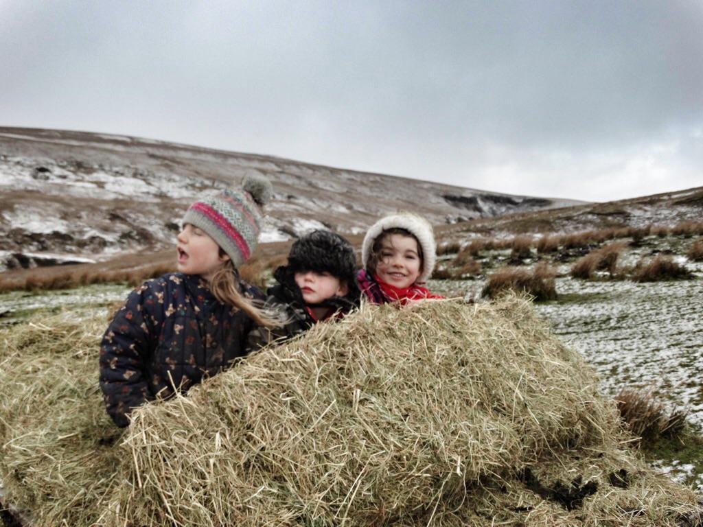 Allegedly it's nearly time for Easter eggs.🐣 Feels like time for sledging & Santa.🎅 http://t.co/0AIhvRXrEQ