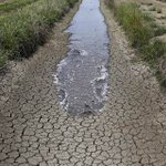 BREAKING: California orders unprecedented mandatory water restrictions to deal with drought http://t.co/eELIBrhNLp http://t.co/5xHiBWy9tO