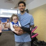 Love to see this. Kentuckys Willie Cauley-Stein goes on date with 4-year-old fan: http://t.co/ZxU9vaBuWO http://t.co/bu1lA3TjkI