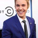 oglądam #BieberRoast Justin ma najpiękniejszy uśmiech na świcie Jezu jak tesknilam za nim http://t.co/Cknxz81NRQ