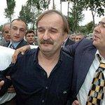 Ergenekon davasında beş yıl hapis yatan Muzaffer Tekin kanser nedeniyle hayatını kaybetti... http://t.co/FXfpwPExvm http://t.co/EW8YUcbKnb