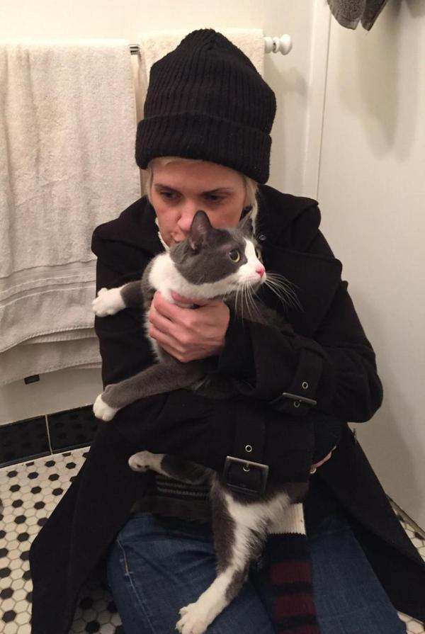 Nice! RT @HennArtOnline: Yay RT @LorenzoTheCat cat lost during NYC gas explosion reunited with owner Via @NYDailyNews http://t.co/QyGh2jwrkH