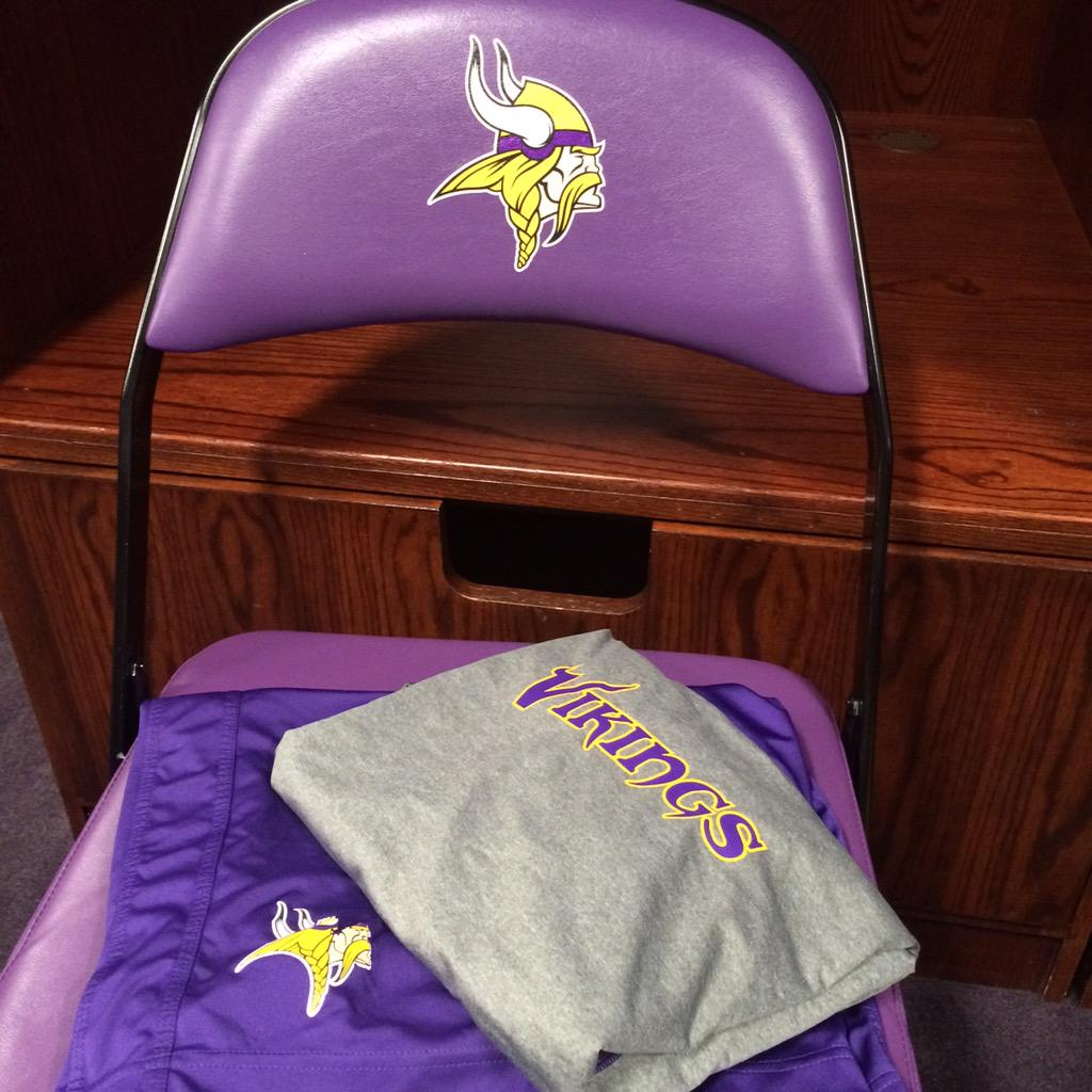 Feels good to be back in purple!! @NUFBFamily @Vikings http://t.co/OvfeDazqNz