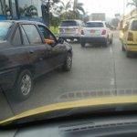 RT @manchaamarilla: Congestión por accidente de bus del MÍO sobre la Cll 26 entre Cra 10 y Cra 15. @movilidadcali http://t.co/jS8PdutOjT