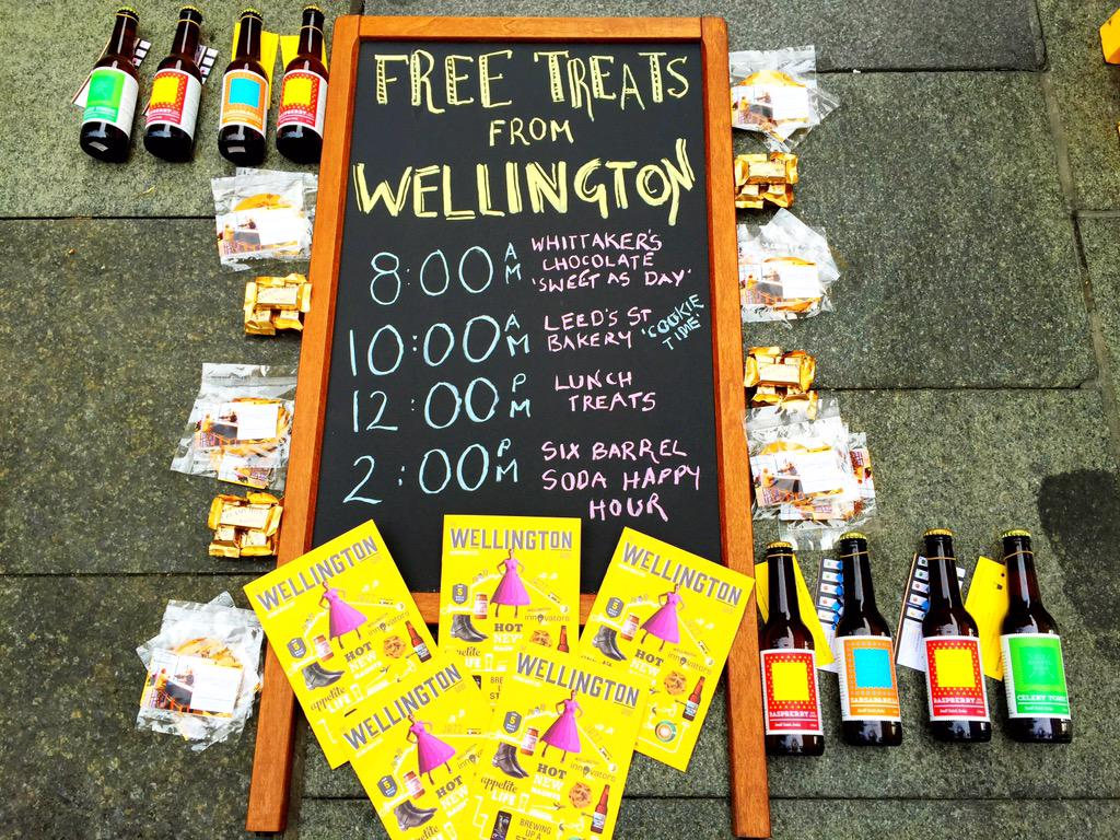 Sydneysiders, pop down to Martin Place, we've got chocolate, cookies and soda waiting for you http://t.co/TVSkuFzwSM http://t.co/M3pbkeeHK8