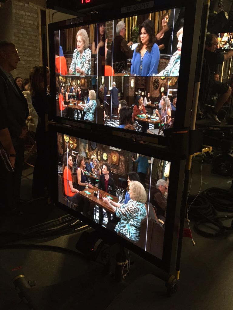 Shooting the last @hotnclevelandtv sad night! @BettyMWhite @JaneLeeves @Wolfiesmom @WendieMalick @chriscolfer http://t.co/uOhC0Qf2Le