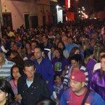 Junto a miles de feligreses estamos recorriendo el casco central en la procesión del Nazareno #MiercolesSanto http://t.co/KrNvuzLQ66