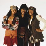 SisterSister premiered 21 years ago today 😱http://t.co/ekd0e15QQA