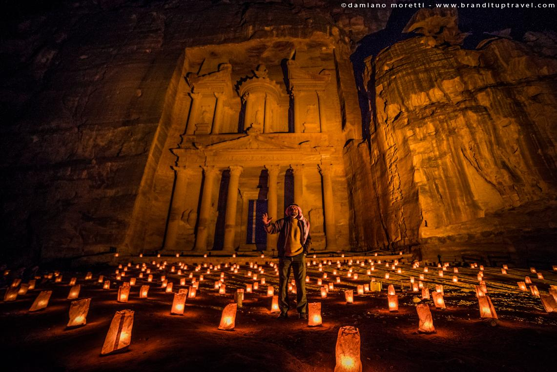 """@damianildo9: The #petra by night storyteller! #UnravelingJordan #gojordan #photography @Branditup_IT #giordania http://t.co/92eFS1HfeU"""