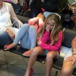 Bay #OneDirection fans traumatised as flight to Cape Town delayed http://t.co/GO4mbVPuMo http://t.co/xWn5L2xOyV
