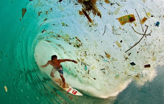 Trash wave - Horrifying set of images showing the impact of overpopulation & overconsumption  http://t.co/Lgq9eurlkQ http://t.co/C4QCepYXmE