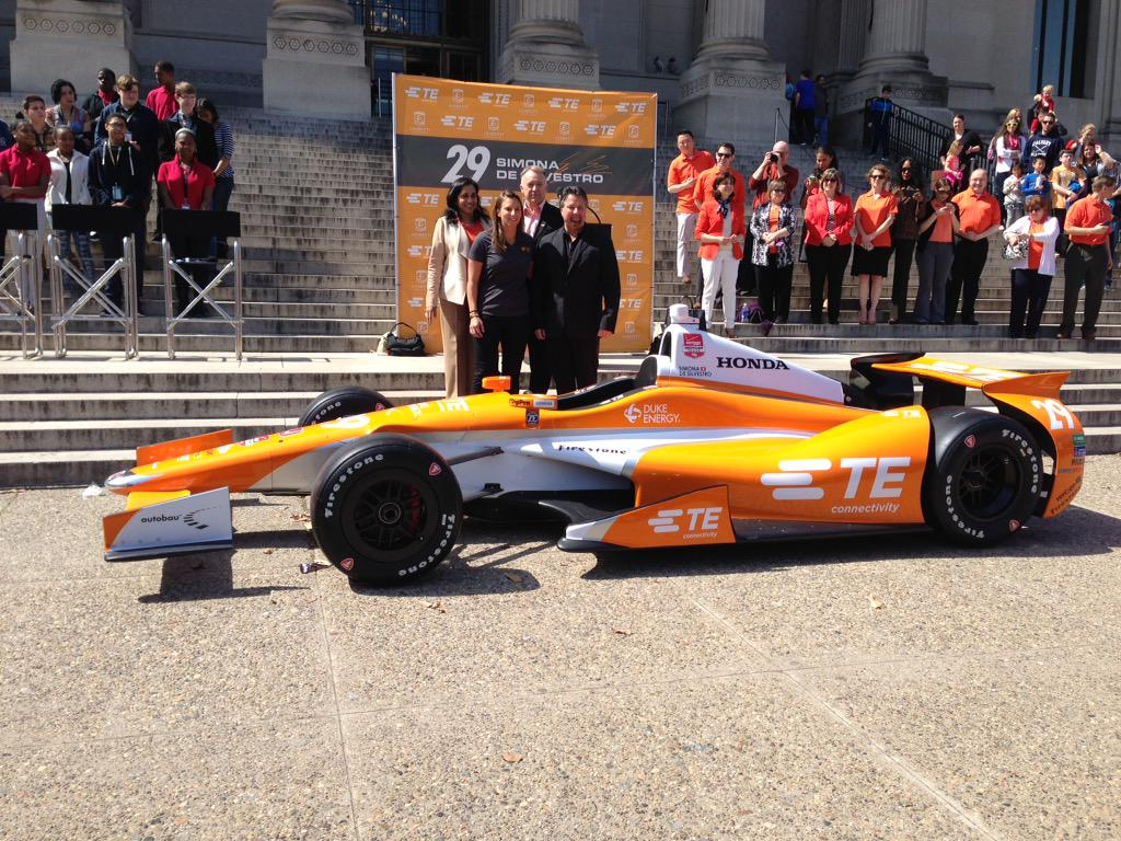 Super happy to be back at the #Indy500 with @TEConnectivity @FollowAndretti . Love the Orange!!! Gonna be fast! http://t.co/7mmXeF7E6D