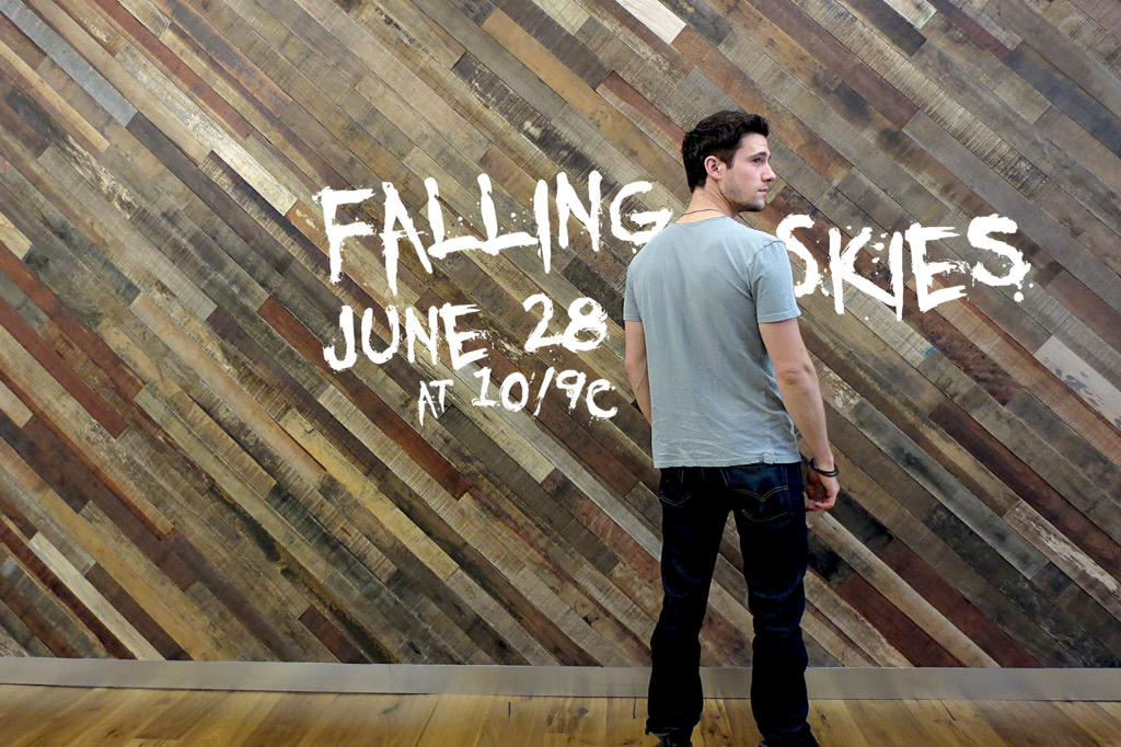 It's becoming that time of year again. #FallingSkies http://t.co/SlSGqUdoH9